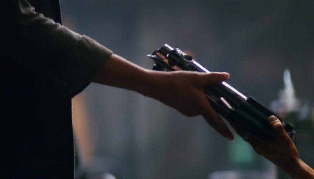 lightsaber-star-wars-force-awakens